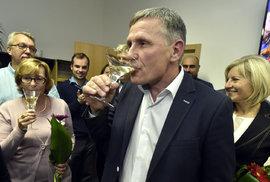 Jiří Čunek (KDU-ČSL) a oslava vítězství lidovců v krajských volbách 2016 ve Zlínském kraji
