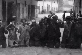 Snímky, které šokovaly svět: Nelidské zacházení se Židy při pogromech v ukrajinském …