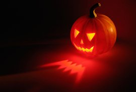 Příručka moderního fotra: Halloween – další importovaná pitomost, která zabíjí naše tradice?