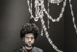 Křišťálový lustr Memento Mori od slavného designéra Maxima Velčovského pro předního českého výrobce svítidel Lasvit.