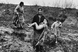 Romantika, nebo bída s nouzí? Kočovný život Romů za totality objektivem českého …