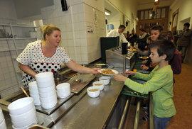 Brusel pošle českým školám až 50 milionů korun na obědy pro chudé děti