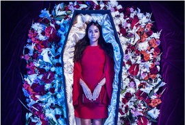 Takhle by mohla vypadat posmrtná módní kolekce.