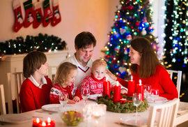 Jste po svátcích z rodiny na prášky? Psycholog radí, jak vyzrát na vánoční hádky