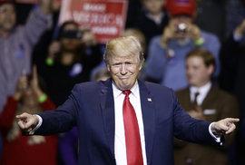 Česká tajná stopa: Podle zpráv StB neplatil Trump daně už od roku 1977. Sledována byla jeho žena Ivana
