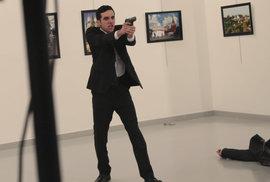 Ruského velvyslance v Turecku zastřelil neznámý atentátník