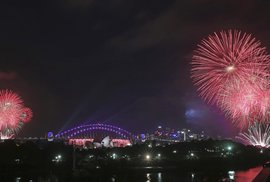 Světelná show v australském Sydney začala již před půlnocí
