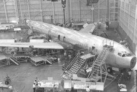 Boeing, jak ho neznáte. Luxusní dopravní letadla, ale i výkonné bombardéry
