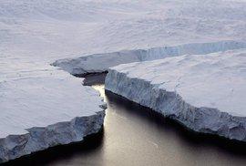 V Antarktidě se odtrhla obří ledová kra velká jako tři Prahy, s klimatickými změnami…