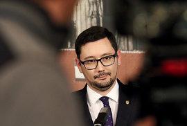 Největší dezinformátoři voleb: Své místo mezi nimi má i prezidentův mluvčí Jiří Ovčáček