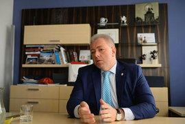 Milan Chovanec má tři krajské nominace, což ho řadí na druhé místo. Otázka je, jaký vliv bude mít na sjezd Miloš Zeman