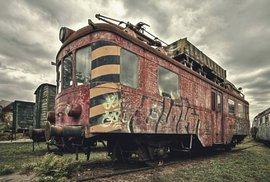 Hřbitov vlaků: Na tajemném nádraží v Brně chátrají desítky lokomotiv a vagónů