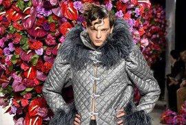 Model návrháře, který si říká Palomo Spain. Pánskou kolekci představit na Fashion Weeku v New Yorku.