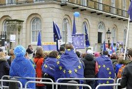 Brexit v Británii se blíží, i když s tím část lidí navzdory výsledku referenda nesouhlasí