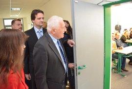 Nenechme podrývat kořeny svobodné akademické diskuze aneb Je Václav Klaus vítán na …