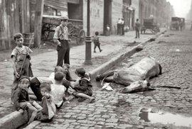 Slumy New Yorku na přelomu století: Miliony imigrantů, špína, chudoba a vraždy