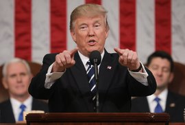 Evropa je nepoučitelná, dál přijímá možné teroristy, Trump brání Ameriku zákonem