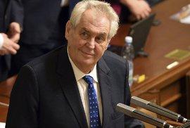 Miloš Zeman považuje občany Česka za hlupáky. Boj o Hrad si však od nich nechá bez…