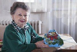 Zemřela herečka Aťka Janoušková. Majitelce hlasu včelky Máji a dalších postav bylo 88 let