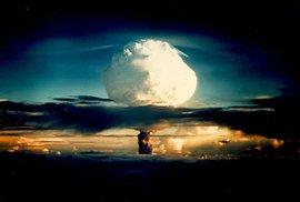 Američané odtajnili nikdy nezveřejněné záběry jaderných výbuchů