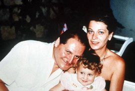 V Praze pobývali v době, kdy byla těhotná. Dcera Elba Rosa se narodila po jejich spěšném odletu do Moskvy