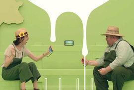 Ekoaktivisté chtějí zakázat interaktivní videohru. Dojí se v ní totiž krávy