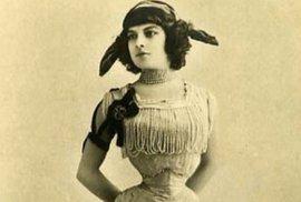 Émilie Marie Bouchaudová, žena s nejužším pasem na světě.