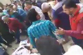 Brutální útok na egyptské křesťany. Série výbuchů zabila 31 lidí a přes 100 zranila