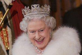 Ekokrálovna Alžběta: Plánuje solární panely na střeše Buckinghamského paláce, teď jde do boje proti plastům