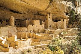 Skalní pueblo v národním parku Mesa Verde