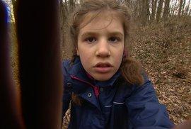 Dorotka z dokumentu Děti úplňku trpí nízkofunkčním autismem.