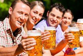 Jdete na jedno? Z velkých světových měst je pivo pořád nejlevnější v Praze, nejdražší v…