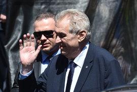 Miloš Zeman na cestách aneb Zaplatit kafe a chlebíčky za prezidenta je veliká čest