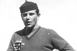 """Miloš Bondy, autor knihy, v durynském Eisenachu po osvobození americkou armádou: """"V Eisenachu v Durynsku, kam mě po osvobození odvezli Američané, jsem ukořistil čepičku, kterou nosili v Itálii členové Mussoliniho mládežnické organizace Balilla. Ustřihl jsem té čepičce veliký střapec a nosil ji pak ve volném čase dlouhá léta. Pečetní prsten na mé pravé ruce byl poslední a jedinou památkou na mého tatínka, který před naším transportem do Terezína uschoval u jedněch našich dobrých známých. Mnoho dalších uschovaných cenností mně jiní ,dobří známí´ upřeli."""""""