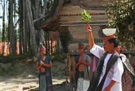 Batakové: Indonéský kmen, který své odsouzené jedl zaživa