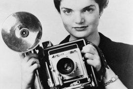 1952 - S Jackie se Kennedy poznal v době, kdy pracovala jako fotografka pro list Washington Times-Herald.