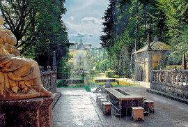 Vodní hrátky s arcibiskupem: Na unikátní zámek v Hellbrunnu si nezapomeňte vzít pláštěnku