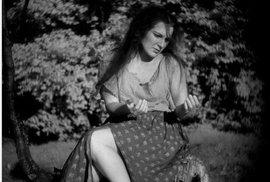 """Skutečná """"bláznivá Viktorka"""" zemřela před 150 lety. Jak se její život lišil od postavy v Babičce Boženy Němcové?"""