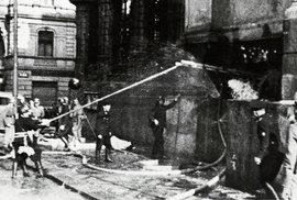 Češi se nevzdávají! Před 77 lety svedli parašutisté souboj s nacistickou přesilou v …