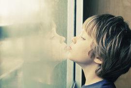Vědci navrhli revoluční krevní testy, které by odhalily autismus už u miminka
