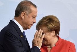 Angela Merkelová odsoudila tureckou intervenci v Sýrii. Turecko toho okamžitě…