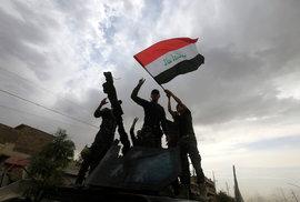 Do Mosulu přijel slavit irácký premiér, islamisté už jsou skoro poraženi