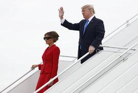 Přílet Donalda Trumpa s manželkou Melanií do Francie