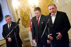 Slovenský expremiér Vladimir Mečiar s Robertem Ficem a Jánem Slotou