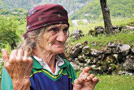 Místní vždy ochotně poradí apomohou. Albánština je ale pro cizince hodně nesrozumitelný jazyk.