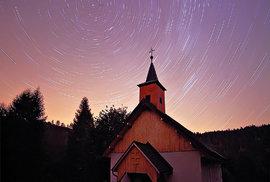 Pozorovat hvězdy v přírodě bude možná brzo vzácné.