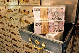 """ČNB zdražila peníze. Dočkají se opět """"nějakých"""" úroků ze svých vkladů i lidé u bank?"""