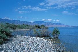 """Jezero Ysykköl: Kyrgyzské """"moře"""" bývalo rekreační oblastí kosmonautů a vysokých funkcionářů SSSR"""