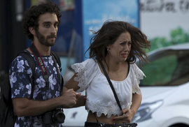 Po Barceloně další teror. Do Španělů v noci najelo auto s výbušninami