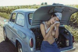 Erotický nádech a humorný nadhled. Oblíbený ukrajinský fotograf baví svět